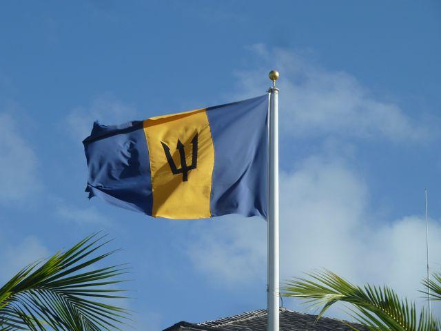 En dan zijn we er, hoe onwerkelijk ook. Als bewijs een foto van de vlag van Barbados.