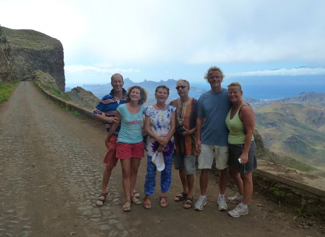 Met de bemanning van Good Life en Equinox op pad om het eiland Sao Vicente te verkennen