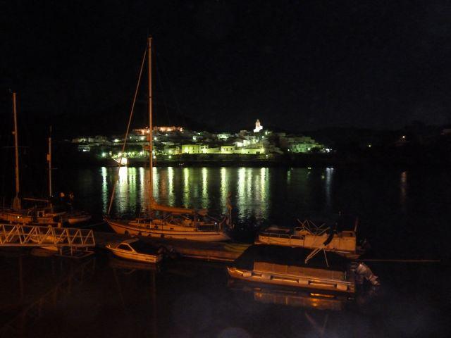 Nachtfoto met Spanje op de achtergrond