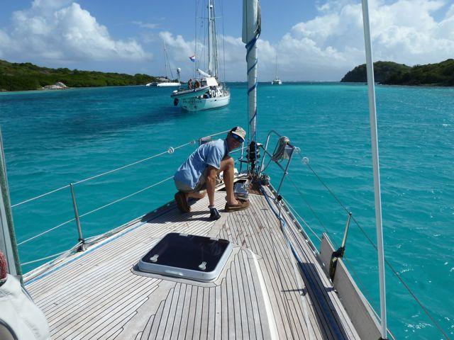 Ankeren in azuurblauw water, wauw, dit is mooi!