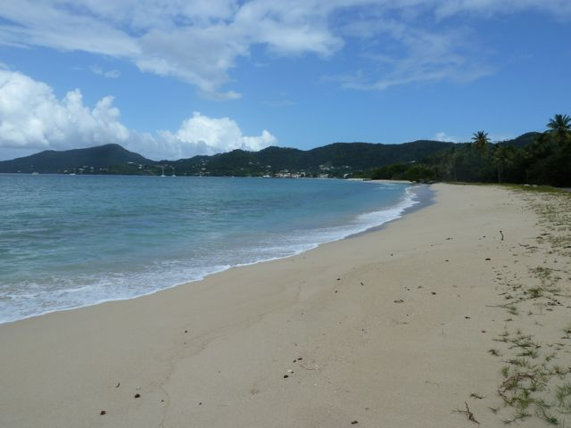 Zo wil je het toch? Wit strand, helemaal voor jou alleen!