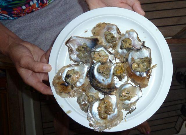 Zo dun hebben we ze nog nooit eerder gezien, maar de smaak is intensief, vooral Pieter geniet van die slijmhoopjes!