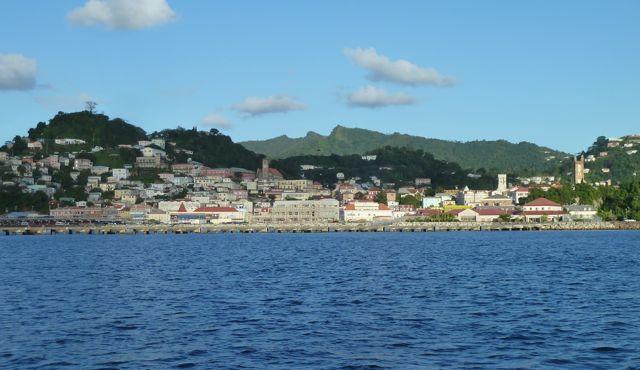Aankomst bij de stad St Charles, hoofdstad van Grenada