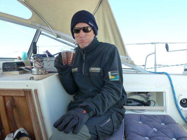 En dan door naar Porto; het is koud op zee, muts en handschoenen komen te voorschijn en we maken hete chocolalala.